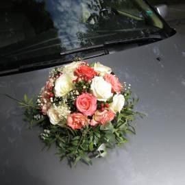 Сватбена аранжировка за кола